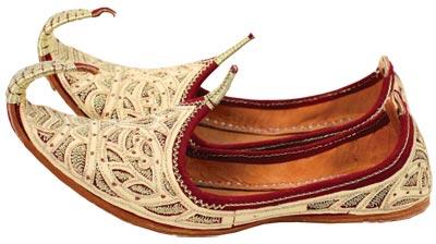 Чому Несарт купив тільки один черевик (чеченська казка)